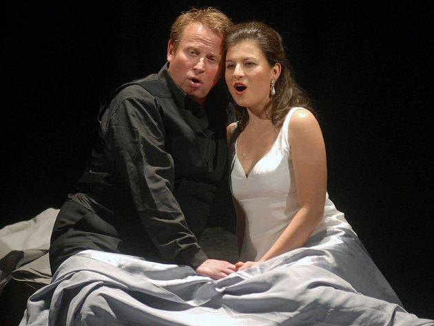 Romeo a Julie na divadelní scéně.