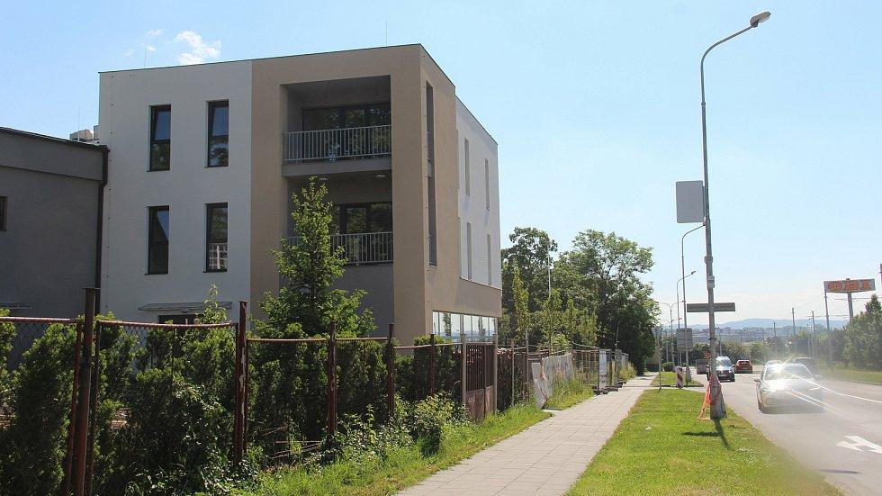 """Na místě bývalého """"brownfieldu"""" v Hraniční ulici v Olomouci vyrostl moderní polyfunkční dům."""
