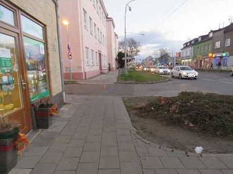 Sedmiletou dívku srazilo vpondělí ráno auto volomoucké ulici Purkyňova.