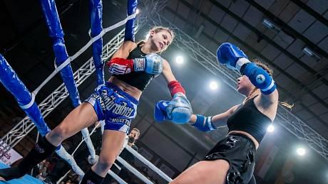 Michaela Hlaváčiková zápasila na Super Fight Series Hungary 8 v Maďarsku s ostřílenou Ajsou Sandorfiovou.