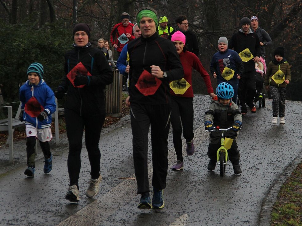 Silvestrovský běh ve Smetanových sadech v Olomouci