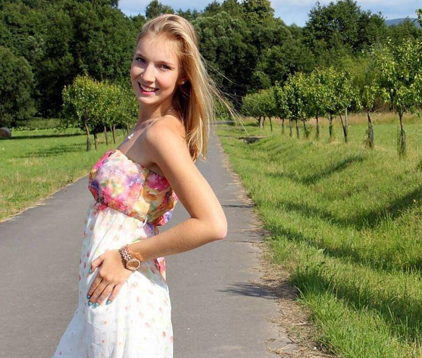 č. 9 Klára Jirešová, 19 let, studentka, Javorník