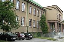 Škola na Povlu byla z gruntu přestavěná.
