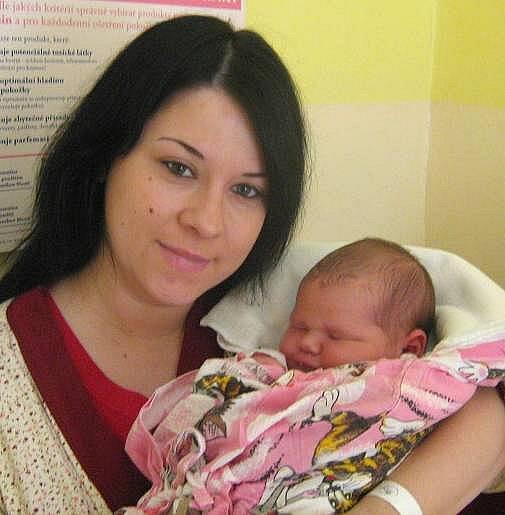 Elena Fabišíková, Němčice nad Hanou, narozena 25. dubna v Olomouci, míra 53 cm, váha 4800 g