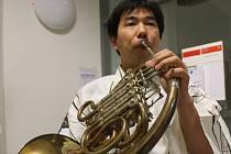 Eiichi Sato z Ósaky v Japonsku se česky učí jedenáct let a po šesté letos přijel na Letní školu slovanských studií v Olomouci.