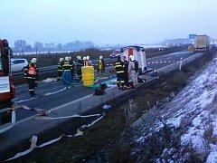 Z kamionu na obchvatu Olomouce začal pátek 28.1.2011 unikat formaldehyd