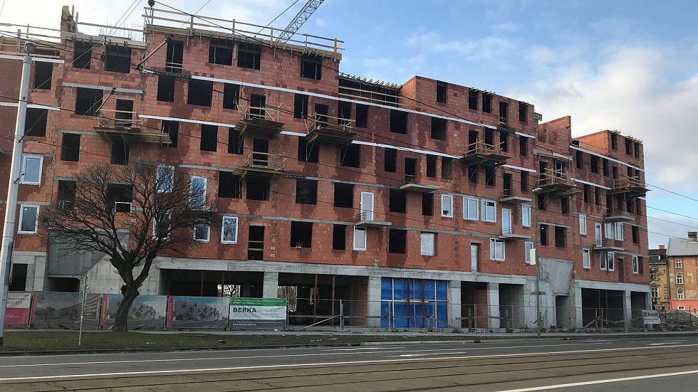 Developerský projekt Bydlení Šantova vyrůstá v sousedství historického jádra Olomouce a zahrnuje celkem 256 bytových jednotek