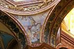 Zrestaurované fresky na stropě chrámu sv. Michala v Olomouci