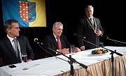 Prezident Zeman na besedě v prostějovském kulturním domě Duha