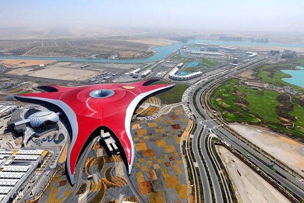 Mezi nejvýznamnější práce architektonické kanceláře Benoy patří například Ferrari World vAbu Dhabi, hlavním městě Spojených arabských emirátů