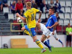 Na vyprodaném Andrově stadionu byla při prvním zápase Eura mezi Švédskem a Itálii spousta prázdných míst