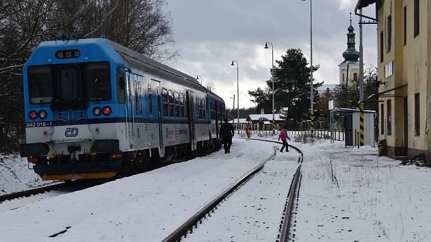 Zastávka Nový Malín na trati mezi Uničovem a Šumperkem