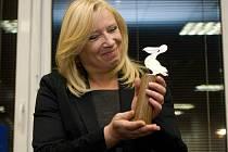 Slovenská premiérka Iveta Radičová dostala v Olomouci Cenu Pelikán časopisu Listy