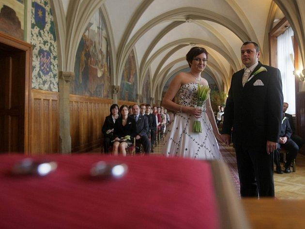 V pátek třináctého si na olomoucké radnici řekli své ano novomanželé Musilovi.
