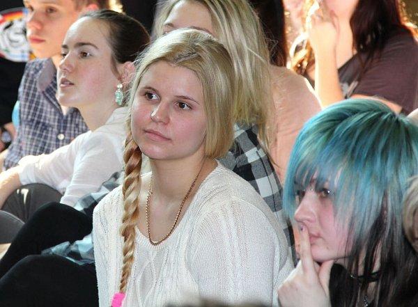 Studenti Slovanského gymnázia vOlomouci na besedě sprezidentem Zemanem
