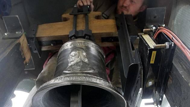 Po více než padesátileté odmlce se v kapli svatého Jana Sarkandra rozezní zvon