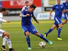 Dorostenci Sigmy U19 (v modrém).