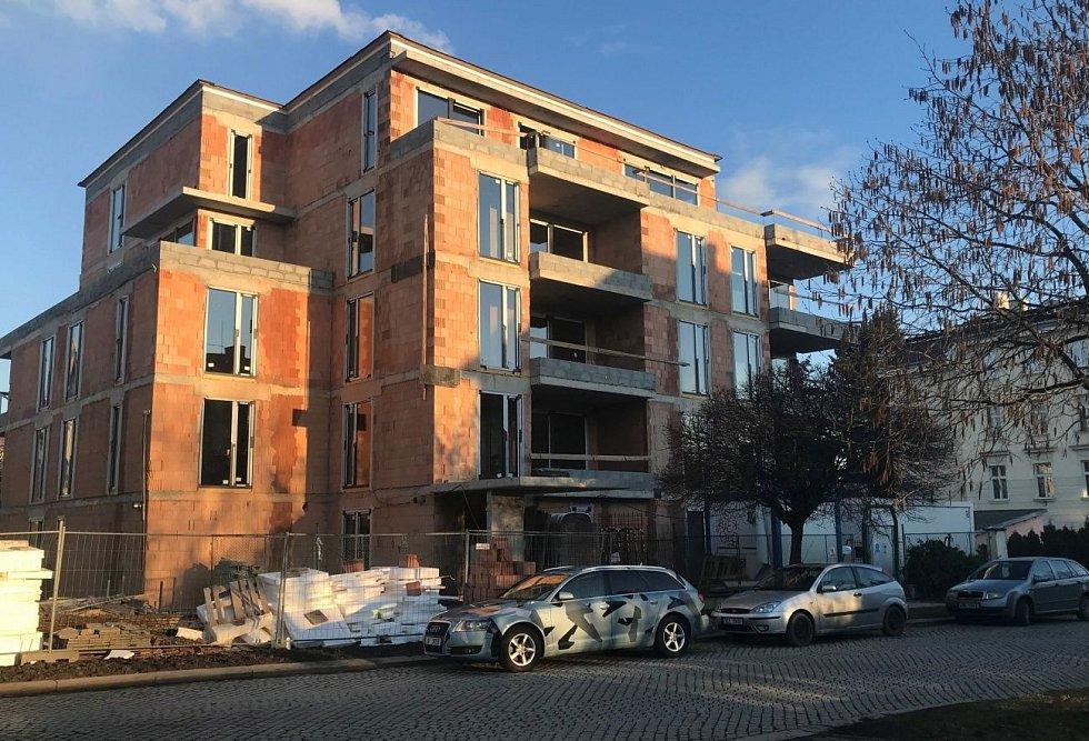 Nové byty vznikají i v centru Olomouce ve Dvořákově ulici.Začátek března 2020