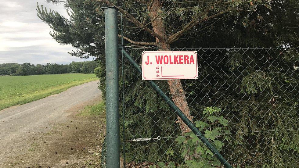 Cesta k Lovecké chatě od Sedliska (objížďka během opravy lesní cesty)