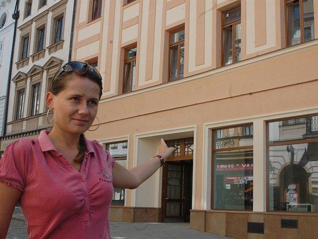 Zrekonstruovaný dům v Ostružnické ulici. Nová pasáž ji bude spojovat s ulicí Ztracenou.