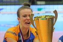 Olomouc (modré dresy) ve finále Českého poháru žen porazila v Teplicích Liberec 3:1. Kateřina Valková