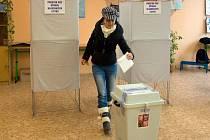 Prezidentské volby v Olomouci, druhé kolo: 13:59 - poslední volič na ZŠ Heyrovského