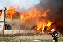 Požár bývalé střelnice u Horky nad Moravou