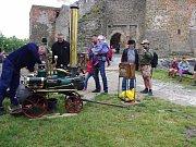 Helfštýnské ateliéry představily na hradě různé profese.