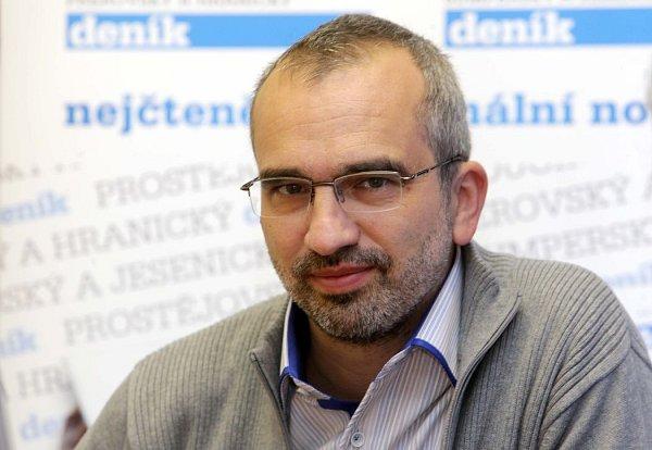 Volební lídr ČSSD vOlomouckém kraji Roman Váňa odpovídal ON-LINE