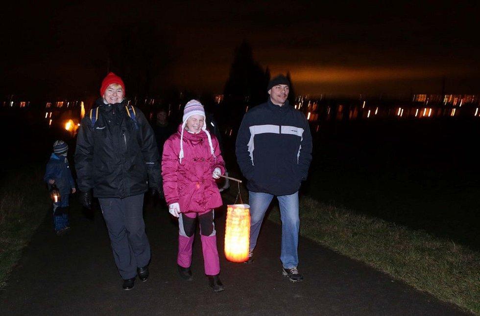 Světýlkový pochod za Paní Zimou v Cholině
