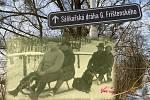Gustav Frištenský (sedící vpředu, za ním jeho manželka) na sáňkařské dráze v Mladči. Tu je možné navštívit