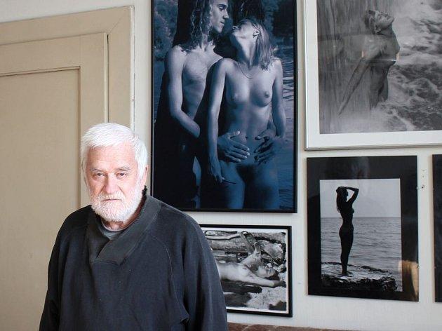 Prostějovský fotograf Karel Novák jehož velkým tématem tvorby je naturismus