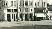 Budova kina Edison, pozdější kino Mír na rohu dnešní Riegrovy ulice a ul. 8. května