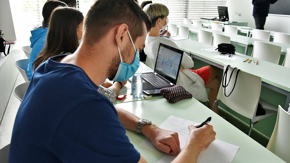 Začátek akademického roku 2020/2021 na Přírodovědecké fakultě Univerzity Palackého v Olomouci, 24. 9. 2020