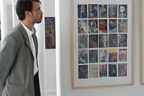 Autor koncepce výstavy David Voda (na snímku) představuje dílo Miroslava Urbana.