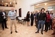 Nově opravený kulturní dům Nadační ve Velké Bystřici se otevírá veřejnosti. Snímek je z předkolaudační prohlídky