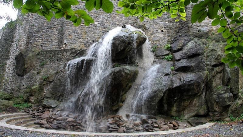 Vodopád v Bezručových sadech v Olomouci - zkušební provoz 7. října 2021