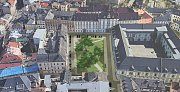 Návrh Biskupského náměstí ve variantě se zachováním stávajících hodnotných stromů – tří lip a bezu černého. Další tři lípy jsou doplněny. Zbývající plocha náměstí je navržena jako kvalitní pobytový trávník