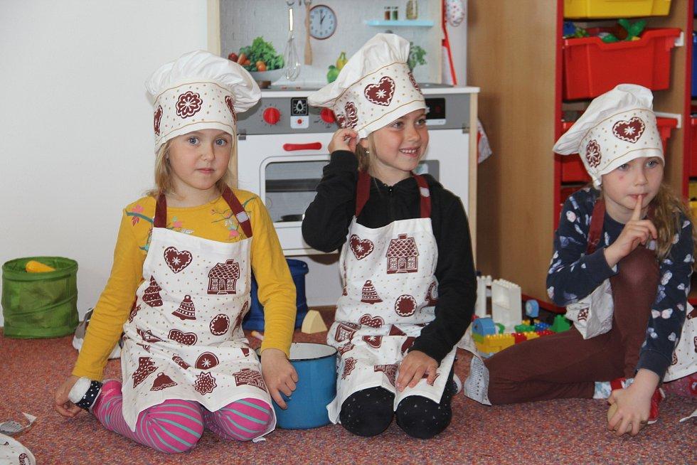 Děti z místní mateřinky v Ústíně