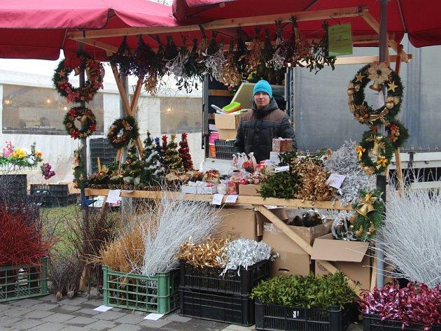 Vánoční trhy odstartovaly v sobotu v pavilonu A a v okolí výstaviště v Olomouci tradiční vánoční trhy.