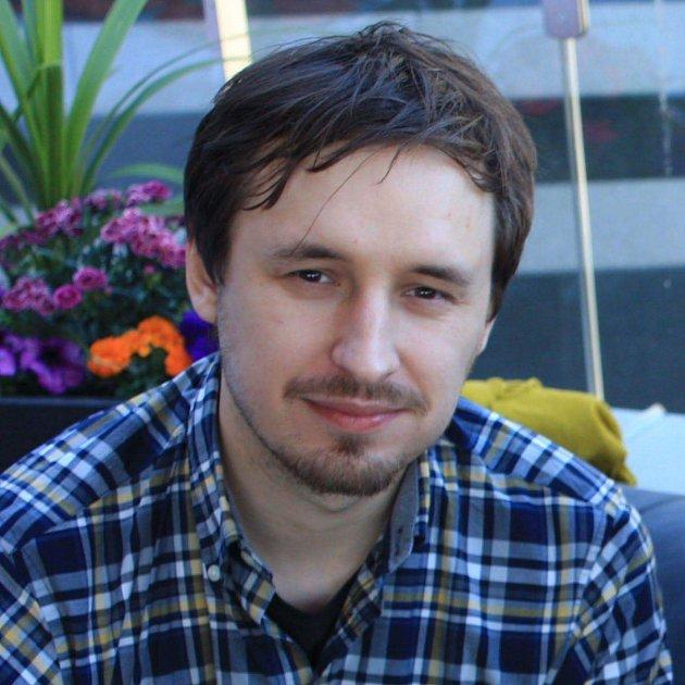 Miloš Kaláb je absolvent Slovanského gymnázia, ve Švédsku pracuje jako vývojář.