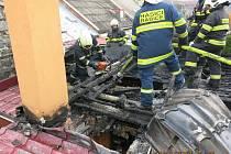 0559342f7a9 Hasiči zasahují u požáru střechy rodinného domu ve Šternberku