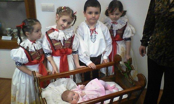 VÍTÁME TĚ, ANIČKO! Vítání občánků - Anna Konopková, 22.12.2014, Střížová na Olomoucku.
