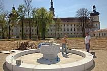 V areálu Vojenské nemocnice v Klášterním Hradisku v Olomouci vzniká nová zahrada