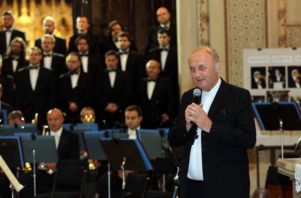 Arcibiskup Jan Graubner v olomoucké katedrále sv. Václava zahájil 22. ročník Podzimní festival duchovní hudby
