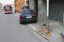 Nehoda řidičky audi v Tylově ulici v Prostějově