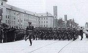 Německý marš na dnešním Žižkově náměstí