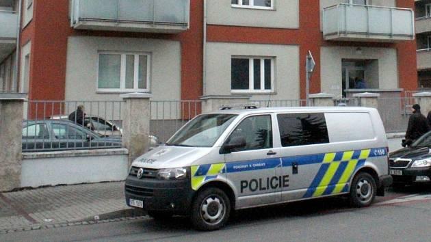 Policisté zasahují v prostějovském domě, kde byla v prosinci 2016 přepadena Petra Kvitová