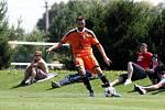 Fotbalisté Sigmy (v oranžovém) prohráli s MFK Skalica 0:2. Michal Ordoš