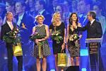 Zlatý kanár 2015 v Přerově: zleva Petr Pála, Tereza Smitková, Petra Kvitová, Lucie Šafářová a Petr Vichnar
